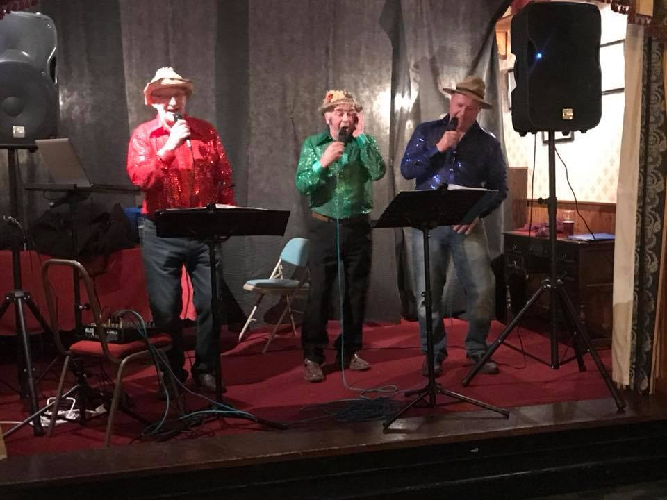 The Radnor Twurzels entertained at Welshpool