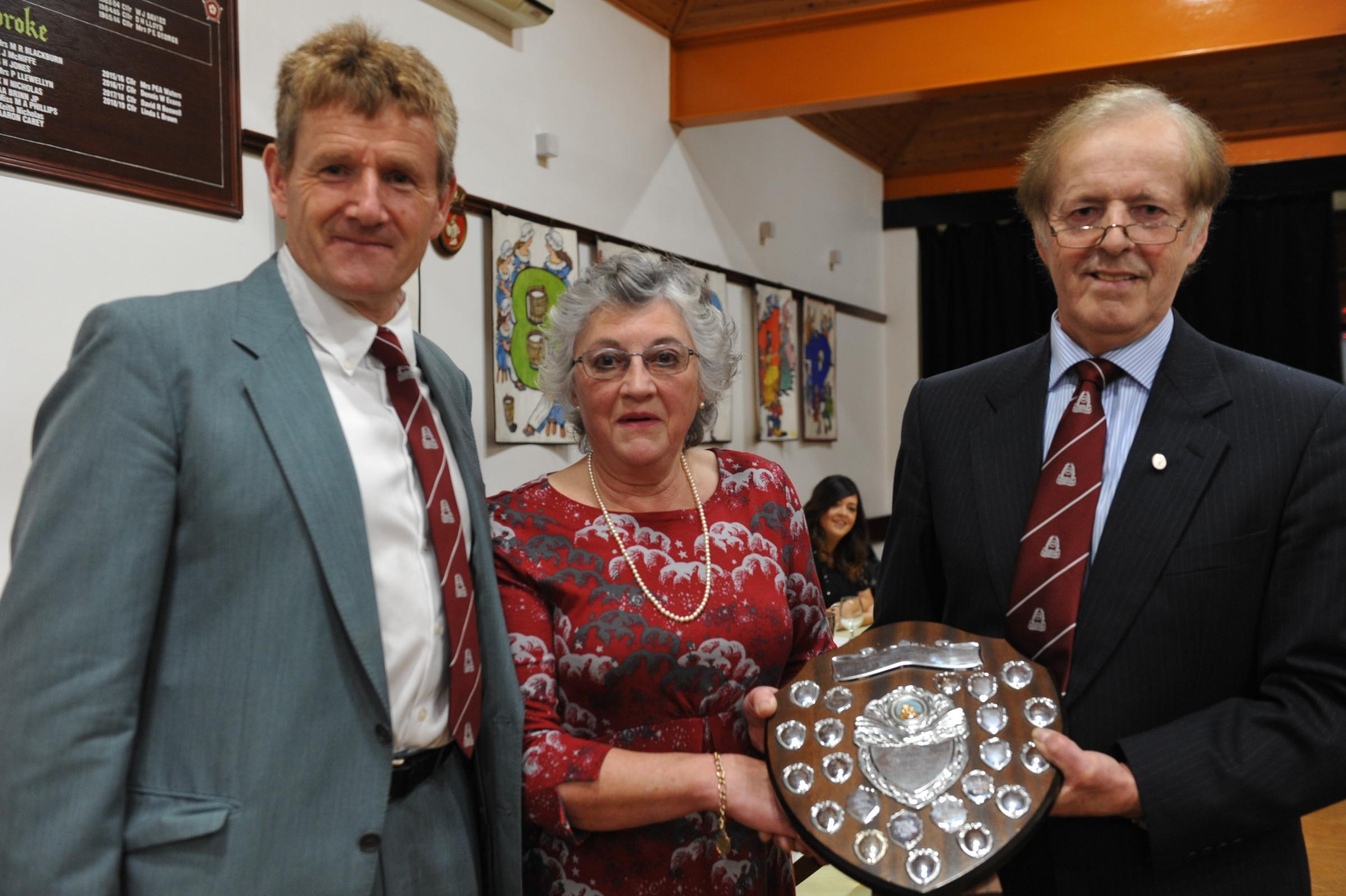 The Pembroke Farmers' Club Services to Agriculture award for 2018 has been presented to Elizabeth Minchin, the Club's secretary for the last 19 years.