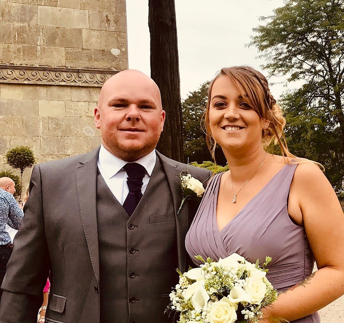 Bethan and Arwel - tying the knot